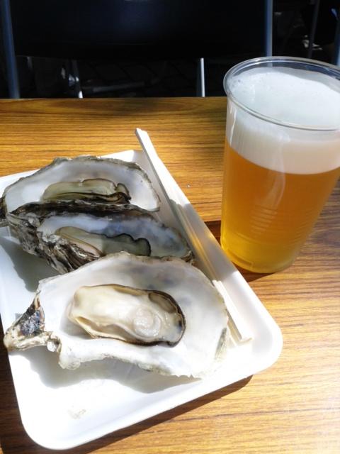 牡蠣とビール